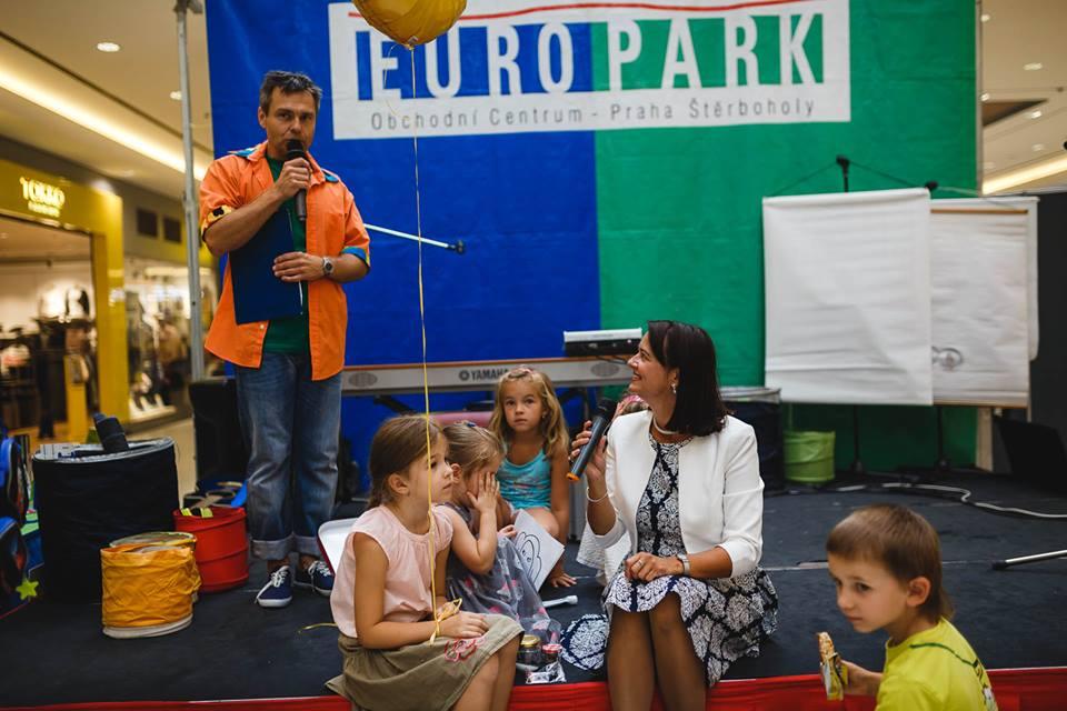 Autogramiáda a představení knížky Poplach v Tabulkově, Europark, září 2016